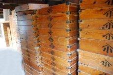 画像8: (アンティーク品:中古)数量限定 中古の仕出箱Cタイプ(20年使用) 収納にガーデニングに!(料亭/割烹/会席用) (8)