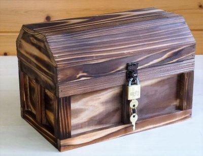 画像1: 【海賊宝箱】シンプル海賊箱(中)焼杉仕様 ロゴ、三方飾り金具なし