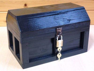 画像1: 【海賊宝箱】シンプル海賊箱(中)ブラック塗装 ロゴ、三方飾り金具なし