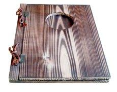 画像2: 【木製メニューブック】 綴じ紐窓穴タイプ(A4縦型):焼杉仕様 (2)