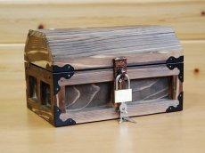 画像2: 【海賊宝箱】デラックス海賊箱(小)焼杉仕様 三方飾り金具仕上げ (2)