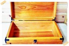 画像4: 【千両箱:蓋ありタイプ】 時代劇でお馴染み!千両箱 豪華三方金具付き、ふた付き (4)