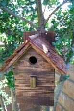 画像3: 【野鳥用巣箱】本格派職人手作り 焼き杉 杉皮屋根デラックス巣箱(完成品) (3)