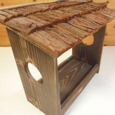 画像7: 【野鳥用餌台(バードフィーダー)】職人手作り 杉皮屋根 焼き杉バードフィーダー(完成品) (7)