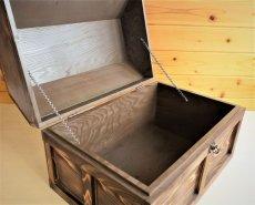 画像5: 【海賊宝箱】シンプル海賊箱(特大)焼杉仕様 ロゴ、三方飾り金具なし (5)