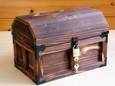 画像2: 【海賊宝箱】デラックス海賊箱(中)三方飾り金具仕上げ (2)