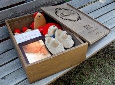 画像6: 【赤ちゃん 思い出ボックス 木箱 メモリアルボックス】【名入れ無料】スライド蓋 へその緒ケース メモリーボックス 桐箱 A4サイズ収納 出産祝い 母子手帳 名入れ 乳歯 プレゼント 男の子 女の子 ベビー (6)