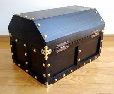 画像8: 【海賊宝箱】デラックス海賊箱(特大)プレミアム・ブラック 金鋲、三方飾り金具仕上げ (8)