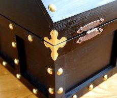 画像6: 【海賊宝箱】デラックス海賊箱(特大)プレミアム・ブラック 金鋲、三方飾り金具仕上げ (6)